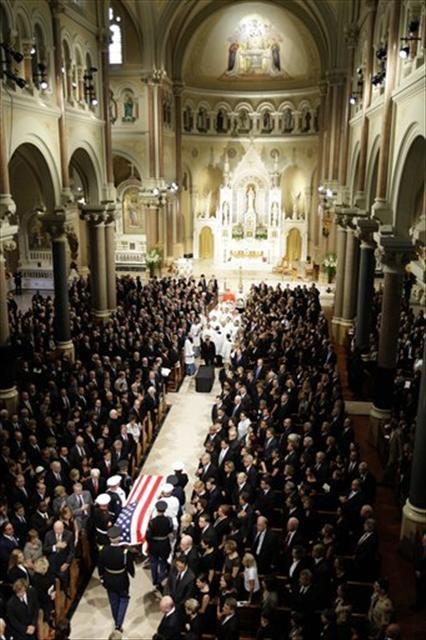Edward Kennedy'nin cenaze töreni