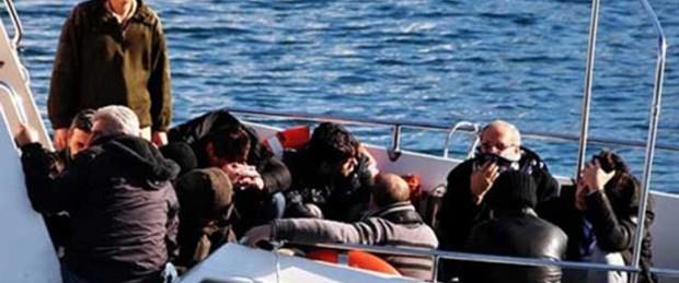 Ege'de kaçaklar son anda kurtarıldı