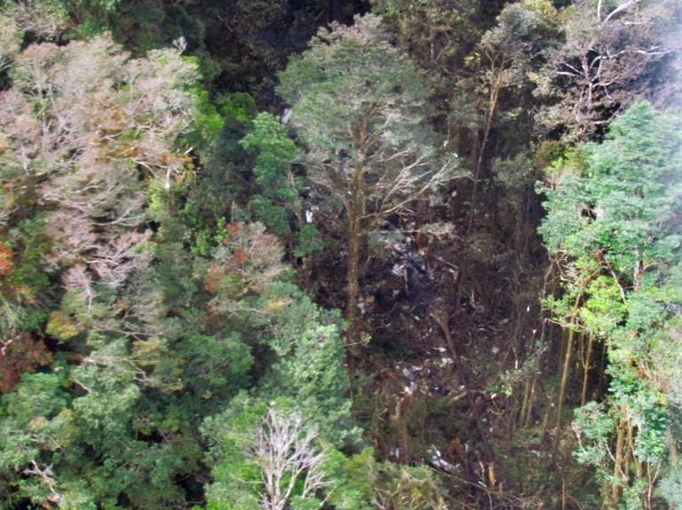 Endonezya uçağının enkazına ulaşıldı