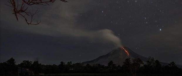 Endonezya'da SoputanYanardağı faaliyete geçti