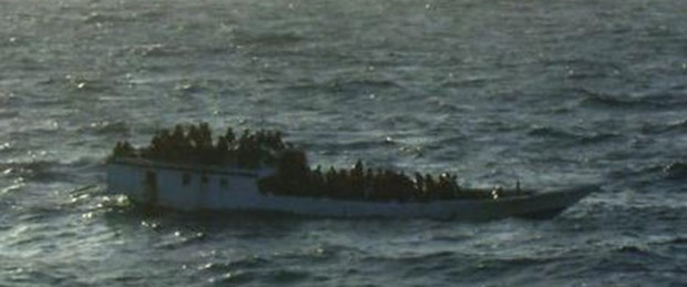 Endonezya'da tekne battı: 140 mülteci kayıp