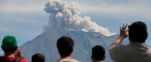 endonezya volkan agung150118.JPG