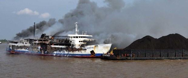 endonezya gemi yangın230819.jpg