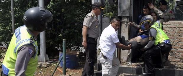 endonezya IŞİD saldırı140116.jpg