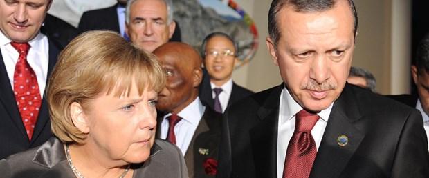 Erdoğan Almanya'daki Türklere iyilik etmiyor