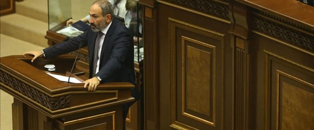 ermenistan paşiyan istifa171018.jpg
