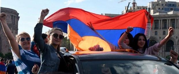 ermenistan seçim muhalefet 240418.jpg