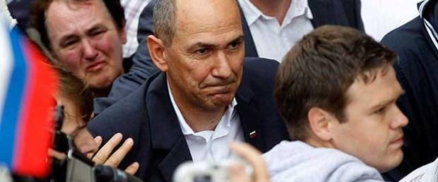 Eski başbakan hapse girdi