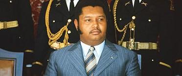 Eski diktatör ülkesine döndü