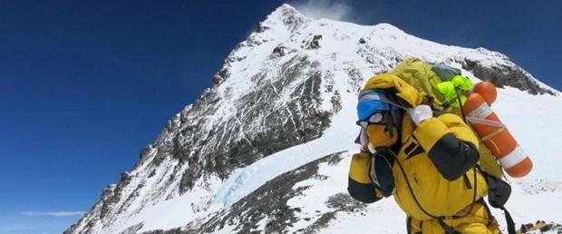 everest nepal dağcı yasak020118.jpg