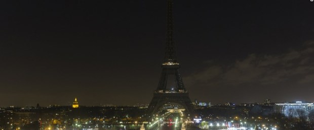 161214144749-eiffel-tower-dark-1214-exlarge-169.jpg