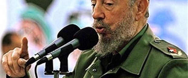 Fidel Castro: Dünya uçuruma sürükleniyor