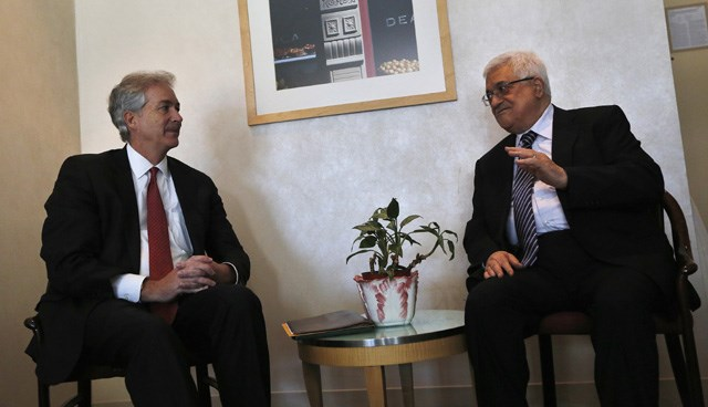 ABD Dışişleri Bakan yardımcısı William Burns, dün Mahmud Abbas'la bir araya gelerek, kararından vazgeçmesini istedi.