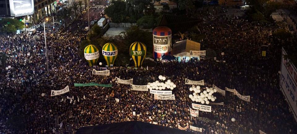 Anmaya binlerce kişi katıldı.