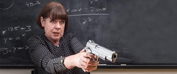 silah-okul-öğretmen.jpg