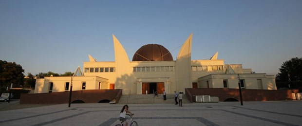 Fransa en büyük camisini açtı