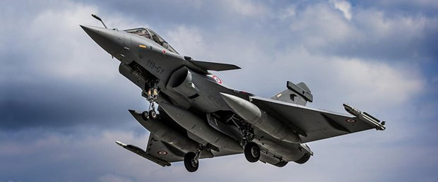 fransa-uçak-16-11-15.jpg