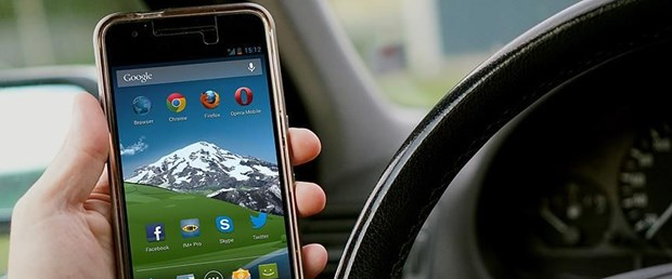 otomobil-cep-telefonu.jpg