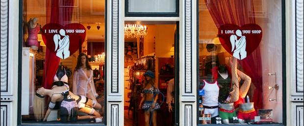 Fransa'da 'love shop'lar hedefte