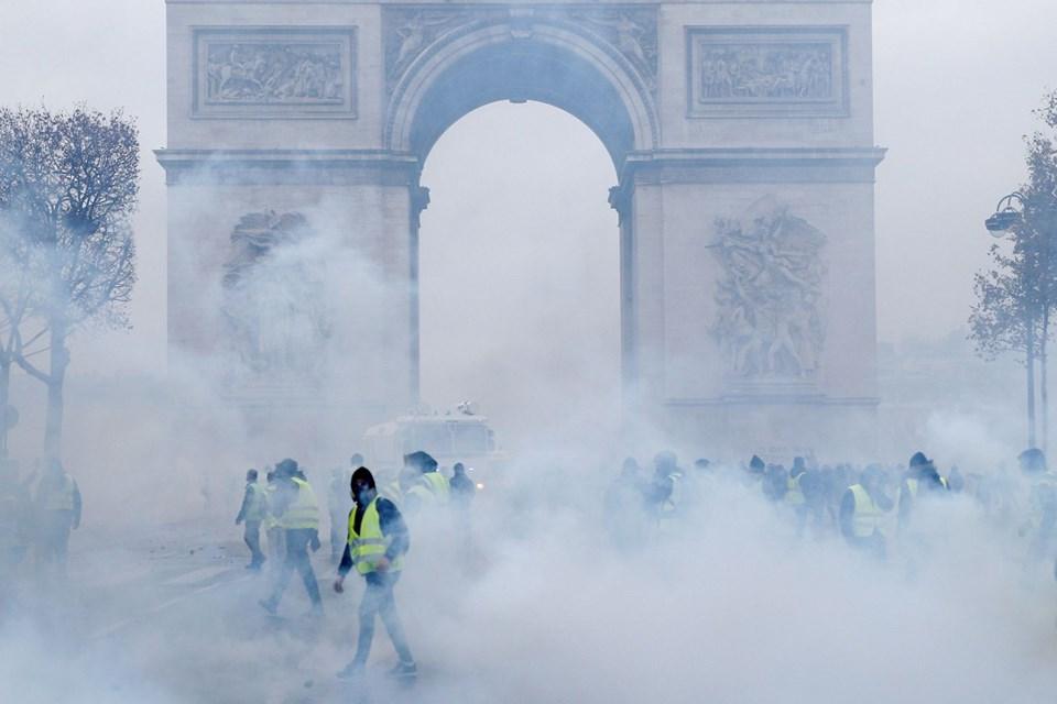 PARİS'İN SEMBOLLERİ KAPATILACAK