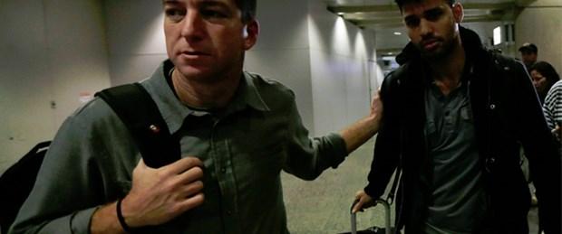 Gazeteciye havaalanında 'Snowden gözaltısı'