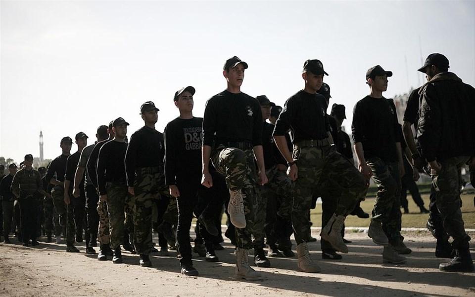 Gazze'de liseli öğrencilere askeri eğitim