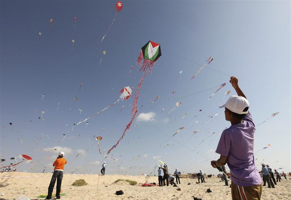Gazze'de uçurtma şenliği