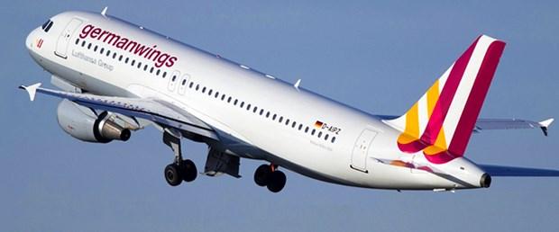 düşen-fransa-uçak-germanwings-24-03-15