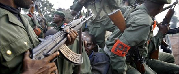 Gine'de ordu yönetime el koydu