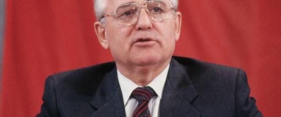 Gorbaçov'dan Putin'in adaylığına kırmızı ışık