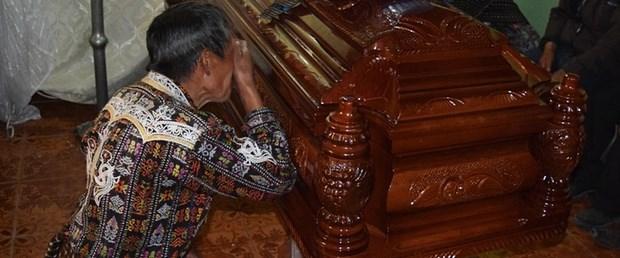 guatemala-belediye-başkanı-linç131015.jpg