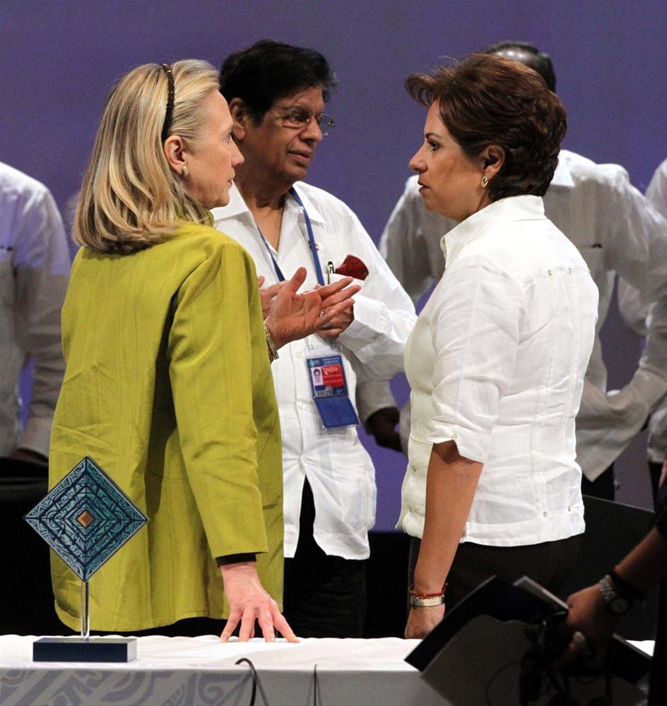'Guayebera'sız Clinton