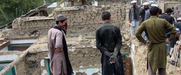 afganistan deprem100416.jpg