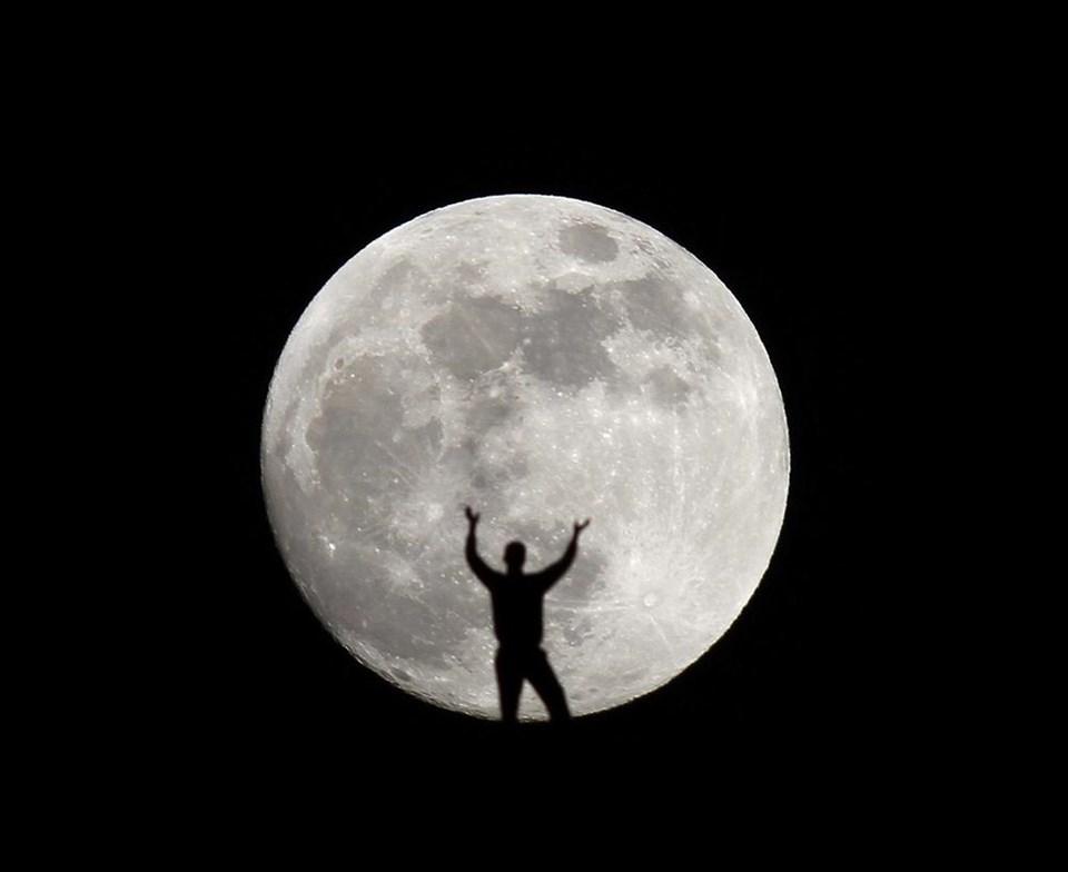 Ay parmaklarımın ucunda!