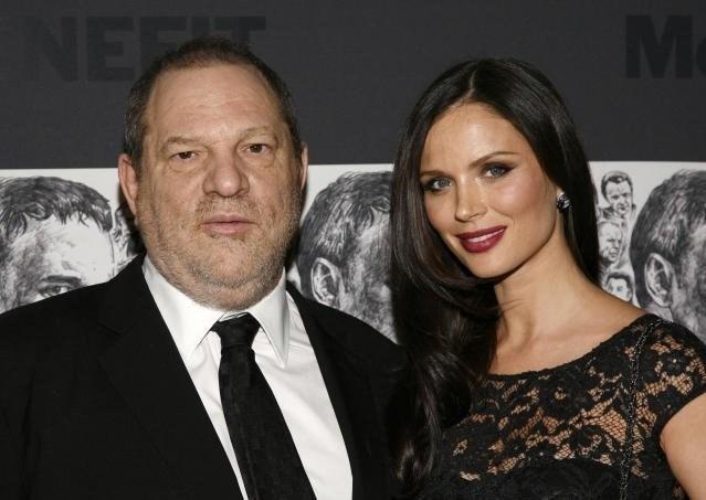 Cinsel taciz iddiaları sonrası 65 yaşındaki Harvey Weinstein'in İngiliz eşi Georgina Chapman boşanma kararı aldı.