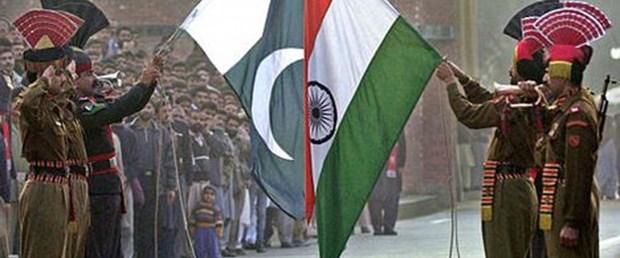 Hindistan ve Pakistan barış masasına oturuyor