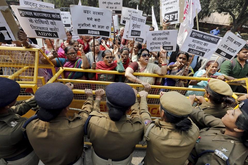 Hindistan'da tecavüz olaylarını protesto etmek için sık sık eylemler düzenleniyor.