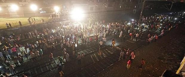hindistan tren.jpg