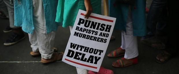 hindistan tecavüz yakma070518.jpg