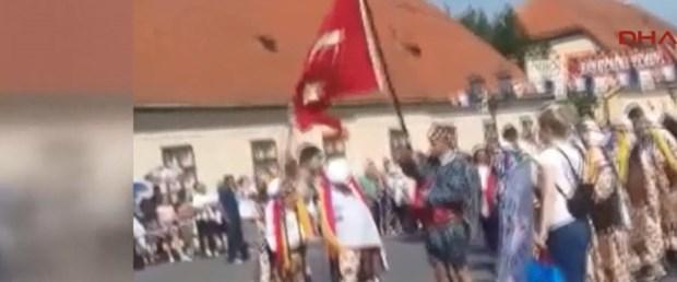 170711-bayrağa-saldırı.jpg