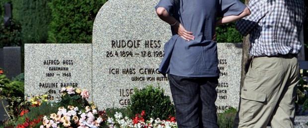 Hitler'in yardımcısının mezarı kaldırıldı