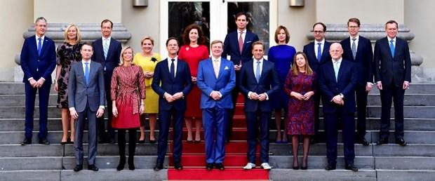 hollanda hükümet rutte kral261017.jpg