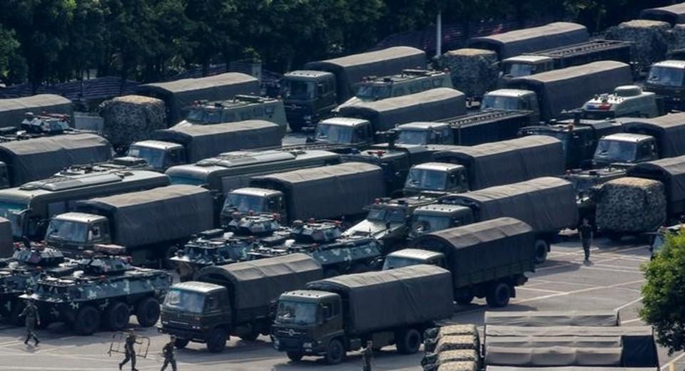 Pekin Hong Kong'a müdahale tehdidinde bulunuyor