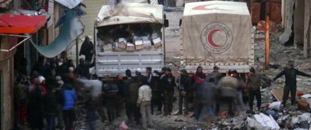 Humus'ta yardım konvoyuna saldırı