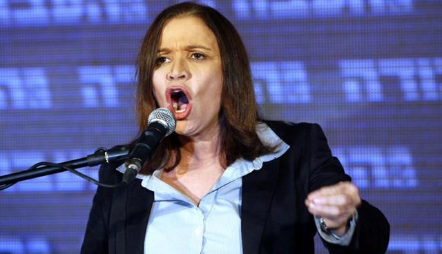 İşçi Partisi lideri Shelly Yachimovich, Netanyahu ile aynı koalisyon hükümetinde yer almayacağını ilan etti.