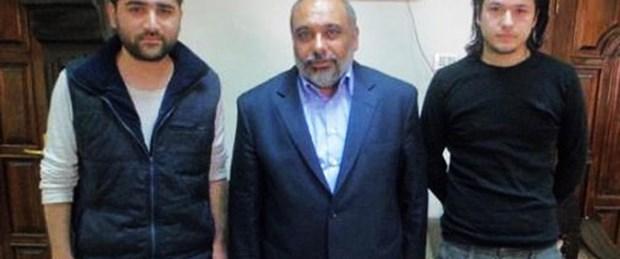 İki Türk gazeteci İran'a götürülüyor