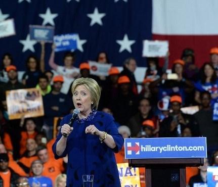"""""""Süper Salı""""da, Demokrat Parti'den Clinton 4eyalette kazandı."""