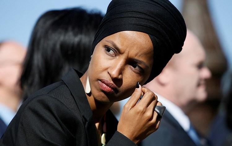 ABD Kongresinin ilk başörtülü Müslüman vekili Ilhan Omar