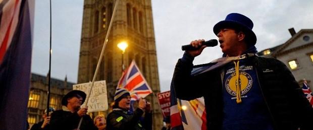 brexit ingiltere polis protesto080119.jpg