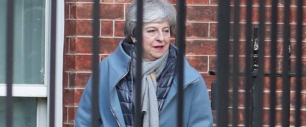 theresa may ingiltere brexit120319.jpg